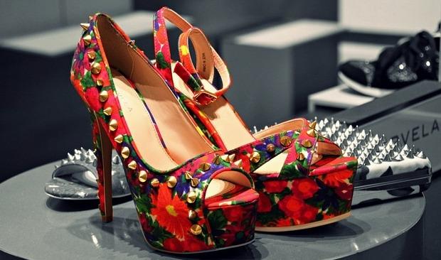 niecodzienne buty