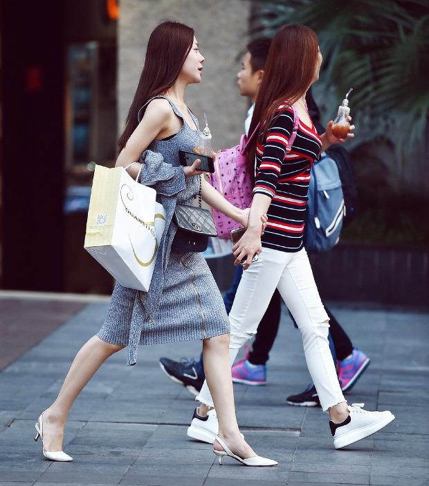 stylistka-modny-zawod-rozmowy-przy-szafie-3